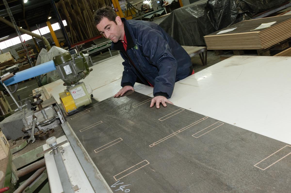 plaqueuse 4 faces pour usinage de panneaux bois et composites