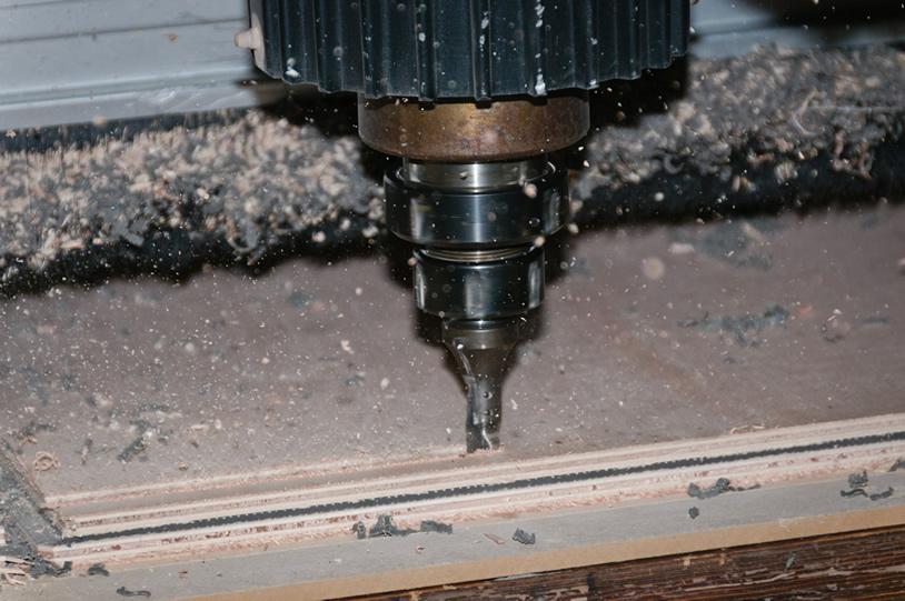 usinage de panneau bois et acier