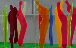 Sculpture avec plexiglas coloré découpé