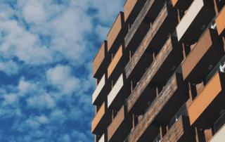 Bardage bois sur façade bâtiment