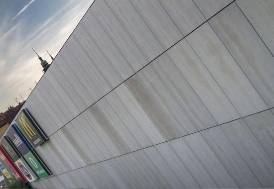 Façade avec grands panneaux bois-ciment Cetris